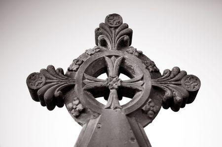 croce celtica: Dettaglio di arenaria Celtic marker tomba nel cimitero di Cross