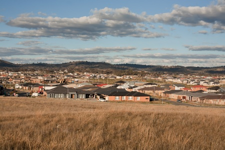 urban sprawl: View from a hill overlooking very typical Australian urban sprawl in a new housing estate