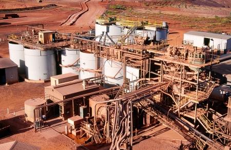 mineria: Vista de la planta de procesamiento de la miner�a de oro en el desierto de Australia