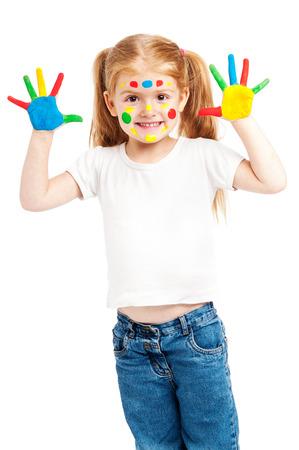 enfants peinture: Jeune fille avec des mains peintes de couleurs vives. Isol� sur fond blanc. Banque d'images
