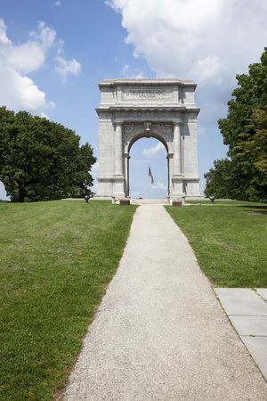 Wide angle view of the National Memorial Arch, Valley Forge National Historical Park, Pennsylvania. Site of the 1777-78 winter encampment of the Continental Army under General George Washington. Stock Photo - 7905441