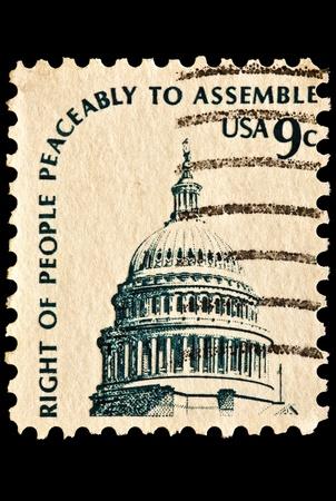 Afgebeeld is de koepel van het Capitool. Het recht van vreedzame monteren. Uitgegeven in 1975 als onderdeel van het Americana-serie.