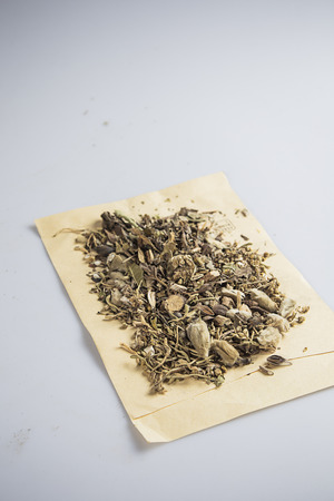 healing with chi: Traditional chinese herbal medicine
