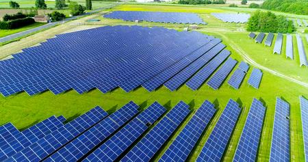 Sonnenkollektoren im Luftbild