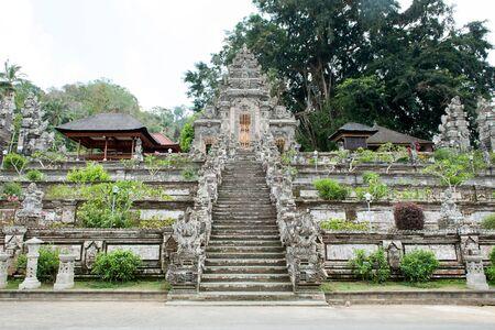 templo: Entrada de Pura Kehen templo, un templo hind� en Bali, Indonesia.