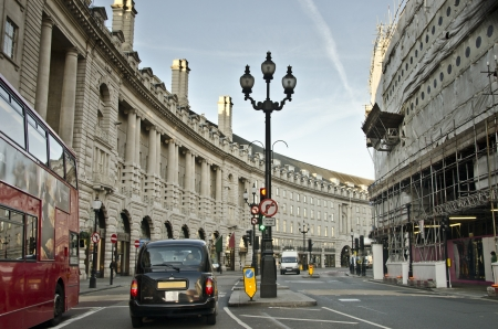 london street: Early morning traffic in Regent Street