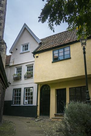 Oude Engelse gebouwen in Tombland Alley, Norwich, Norfolk, Verenigd Koninkrijk