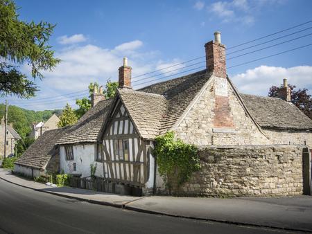 Ancient Ram Inn, antigua casa pública del siglo XII, fue uno de los edificios más encantados del país, Wotton-under-Edge, Gloucestershire, Reino Unido. Foto de archivo - 90045988
