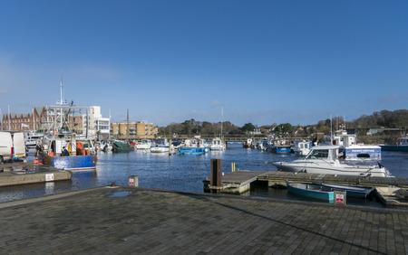 Uitzicht op de haven en boten in Lymington, New Forest, Hampshire, Verenigd Koninkrijk