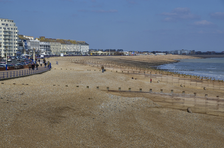 The beach and coastline at Eastbourne, East Sussex, UK Standard-Bild - 121438409