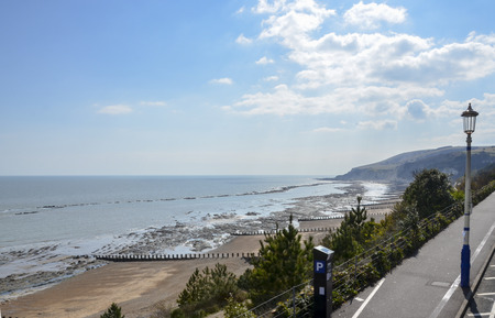 The beach and coastline at Eastbourne, East Sussex, UK Standard-Bild - 121438411