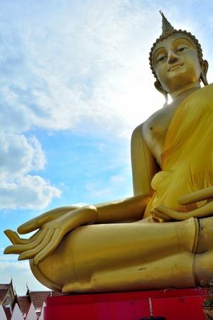 tremendous: Huge golden Buddha Located in Lam Luk Ka Stock Photo