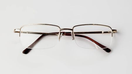 Eyeglasses on white background isolate Banque d'images - 135168324