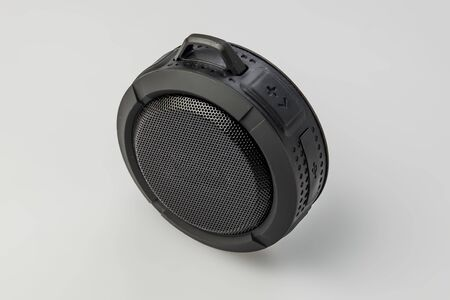 Round Bluetooth speaker on white background isolate Banque d'images - 134842956