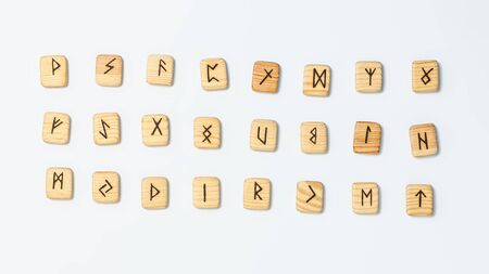 Wooden runes on white background isolate Banque d'images - 134842965