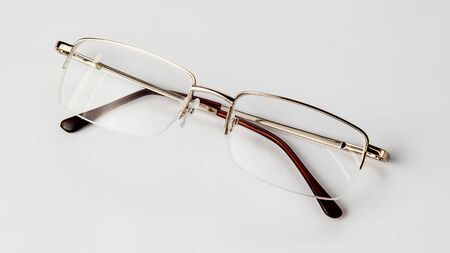 Eyeglasses on white background isolate Banque d'images - 134843048