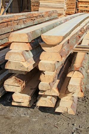 log deck: Not edging board in stacks