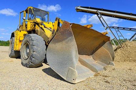 earthwork: Bucket loader on site