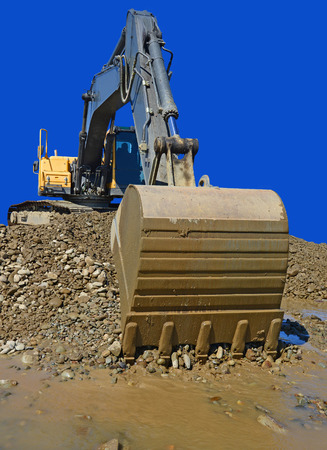 earthwork: Gravel excavated in the mainstream of the river