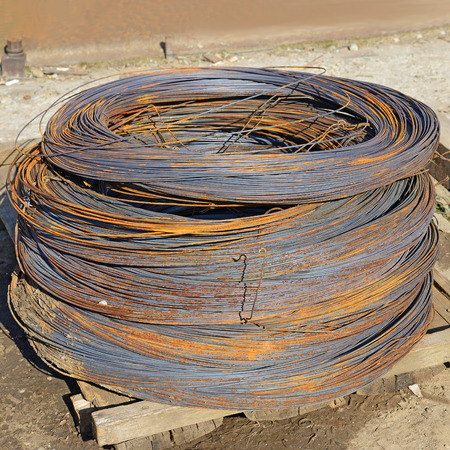 Bay steel wire