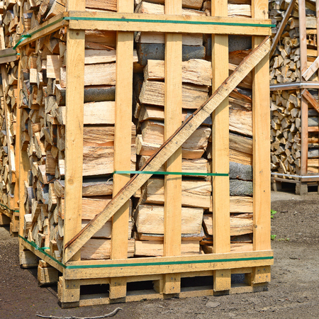 workable: Chipped fire wood in packing on pallets Stock Photo