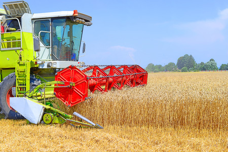 agriculture machinery: Grain harvesting combine.