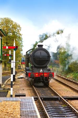 MAQUINA DE VAPOR: Los motores de vapor en un viejo ferrocarril Ingl�s