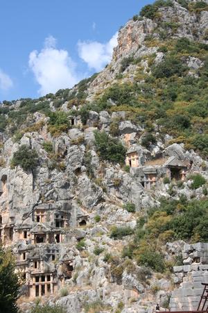 tumbas: Tumbas excavadas en la roca antiguas en Myra, Demre, Turquía