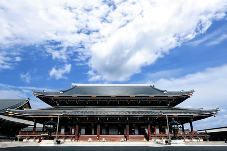 largest: Goei-do,the largest wooden building in Kyoto at Higasgi-hongaji temple