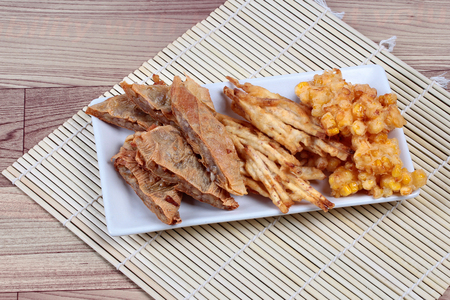 sesame street: Deep fried mixed vegetable for  in Vegetable festival of Chinese as stir taro in tofu sheet,sliced taro and sweet corn fried.