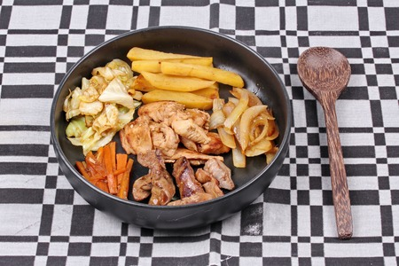 higado de pollo: Asia food ,Fried teriyaki chicken and chicken liver with butter potato and herb.