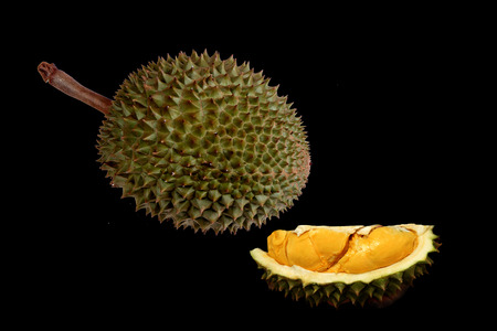 Ready served of ripe Puangmanee Durian ,the most delicious duriran of Thailand ,is  in peel and peel off.