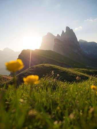 Sonnenaufgang wandern bei der Seceda in Suedtirol Italien - Seceda in the Dolomites in Italy