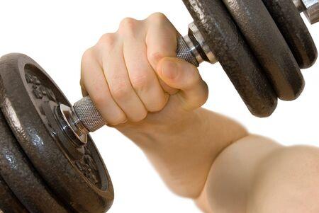 male arm: Close-up de los hombres del brazo de elevaci�n pesada pesas