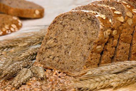 finest: Fette di pane migliori biologico decorato con cereali naturali