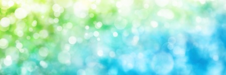 自然の中の美しい多重ハイライト緑および青、理想的なワイド フォーマットの背景やバナーとしてのパノラマ ボケ コンポジションを作成します。