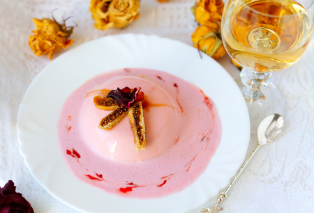 Rose panna cotta with figs photo