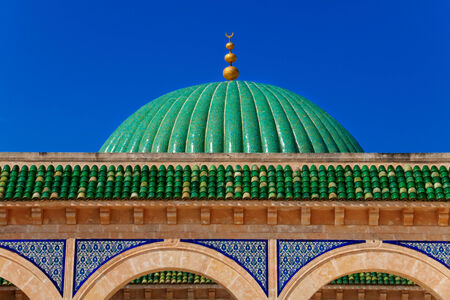 mausoleum: Green Dome of Bourguiba's Mausoleum in Monastir, Tunisia