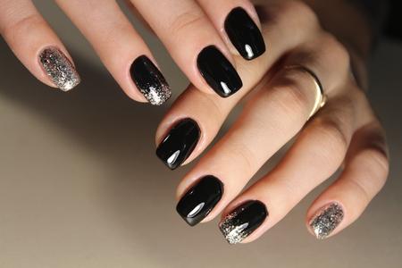 fashion black and gold color manicure design 2017
