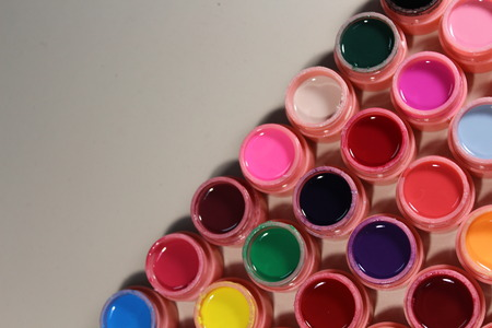 Bright colors for nails, varnish many colors