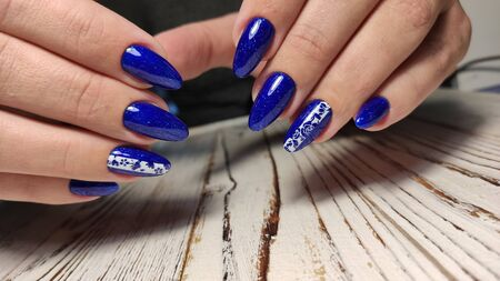 Fashionable design of manicure.