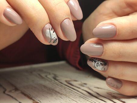 Youth manicure design, beautiful female hands Stok Fotoğraf - 134587202