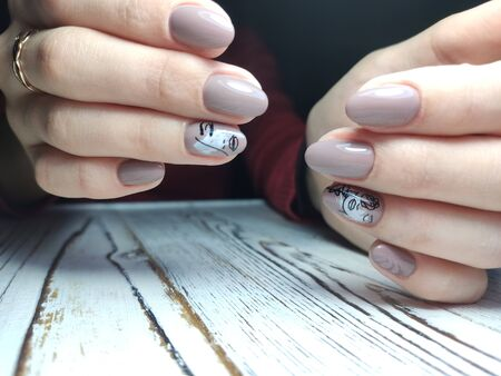 Youth manicure design, beautiful female hands Stok Fotoğraf - 134587675