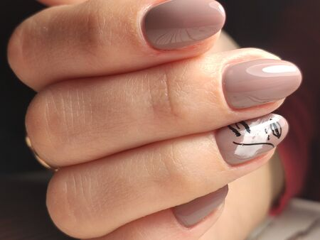 Youth manicure design, beautiful female hands Stok Fotoğraf - 134587687