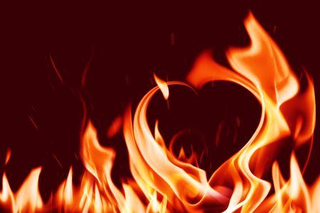 forma de corazón en el fuego de llama