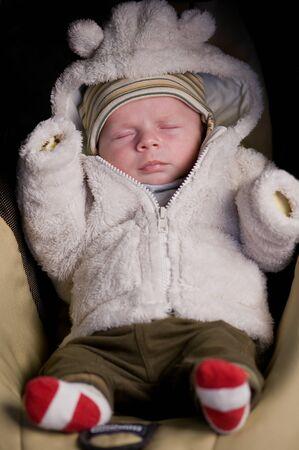 bebes recien nacidos: niño recién nacido para dormir cerca