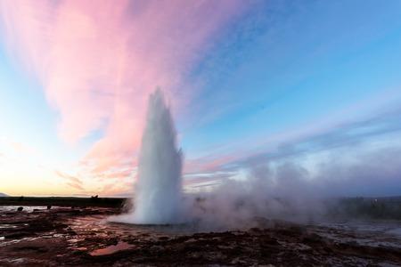 Eruption des Geysir-Geysir Lizenzfreie Bilder