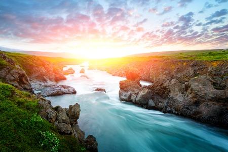 Godafoss-Wasserfall auf dem Fluss Skjalfandafljot