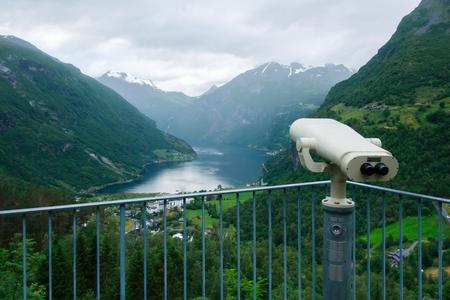 Atemberaubender Blick auf den Sunnylvsfjord