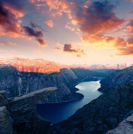 Breathtaking view of Trolltunga rock Standard-Bild